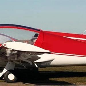 bialo czerwony samolot